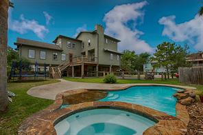 127 Queen Road, Clear Lake Shores, TX 77565