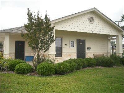 103 Hill, Burnet, Burnet, Texas, United States 78611, 1 Bedroom Bedrooms, ,1 BathroomBathrooms,Rental,Exclusive agency to sell/lease,Hill,55456864