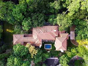 Aerial view highlights Terra Cotta tile roof.