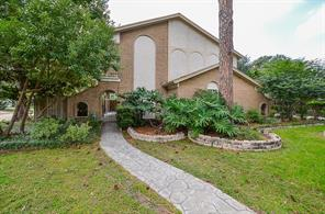 2703 fontana drive, houston, TX 77043