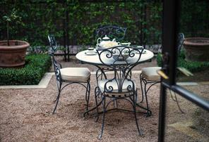 Alfresco courtyards are a common theme and as important as the interior spaces. The kitchen s culinary garden on the west side of the house is ideally situated for growing herbs.