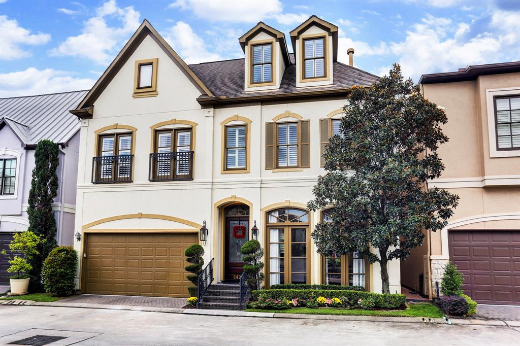 Single Family Home for Rent at 2426 S Mystic Meadow 2426 S Mystic Meadow Houston, Texas 77021 United States
