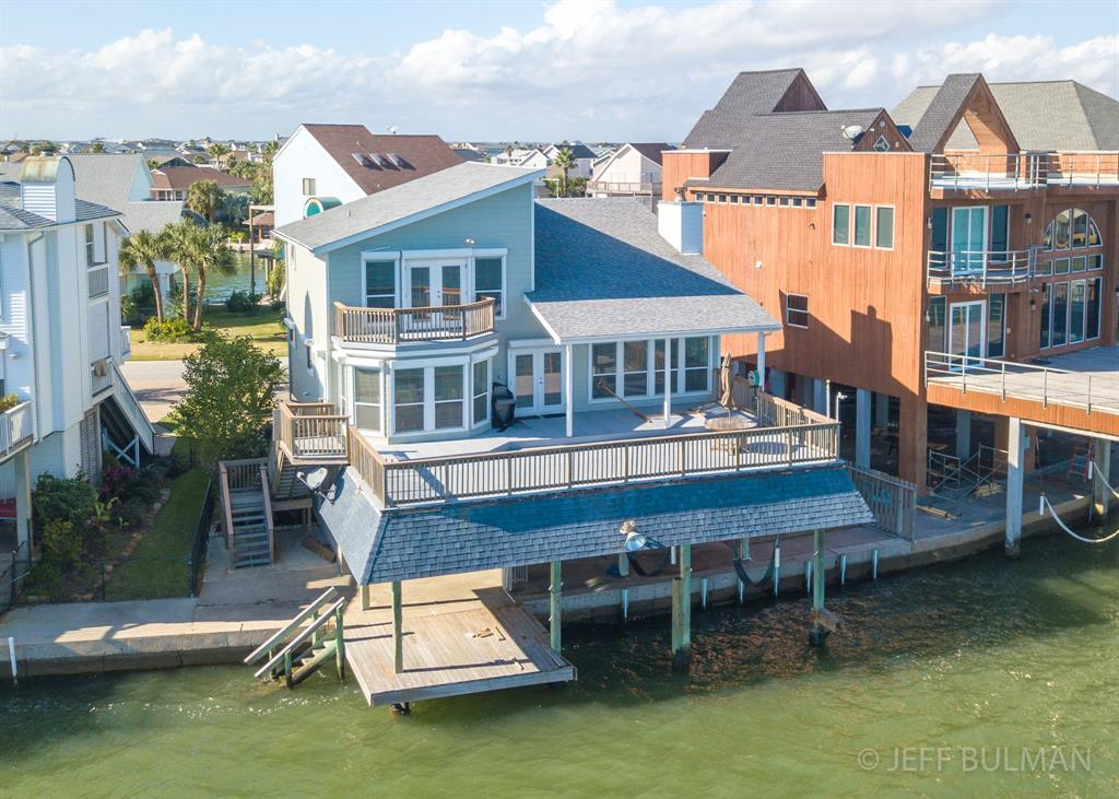 Single Family for Sale at 126 Quayside Drive Galveston, Texas 77554 United States