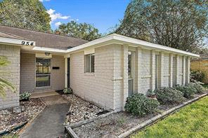 Houston Home at 954 Redway Lane Clear Lake City                           , TX                           , 77062-4306 For Sale