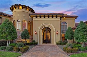 Meticulous construction and detail taken into the design of this elegant entrance. Carefully crafted brackets beneath the roof, gas lit Moroccan lamps with dazzling detail and the archway with wrought iron gate adjoining the porch provides a fine welcome for your guests.