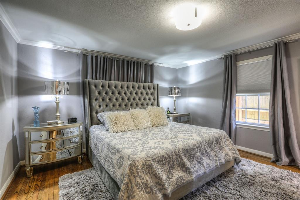 Master suite features hardwood floors, great closet space and crown molding.