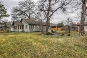 Great opportunity to purchase a 3 bed/2 bath home on an over-sized lot in a fast developing section of the Heights.