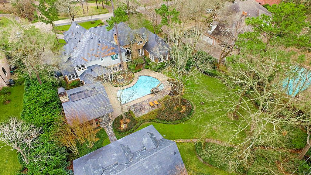 Additional photo for property listing at 819 Country Lane 819 Country Lane Houston, Texas 77024 United States