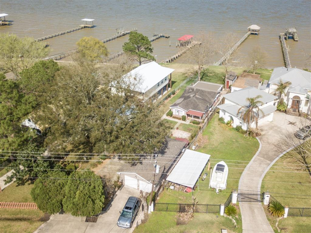 Single Family for Sale at 3811 Bayshore 3811 Bayshore Bacliff, Texas 77518 United States