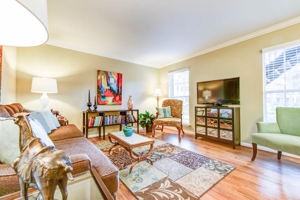 10220 Memorial, Houston, Harris, Texas, United States 77024, 2 Bedrooms Bedrooms, ,2 BathroomsBathrooms,Rental,Exclusive right to sell/lease,Memorial,49752931