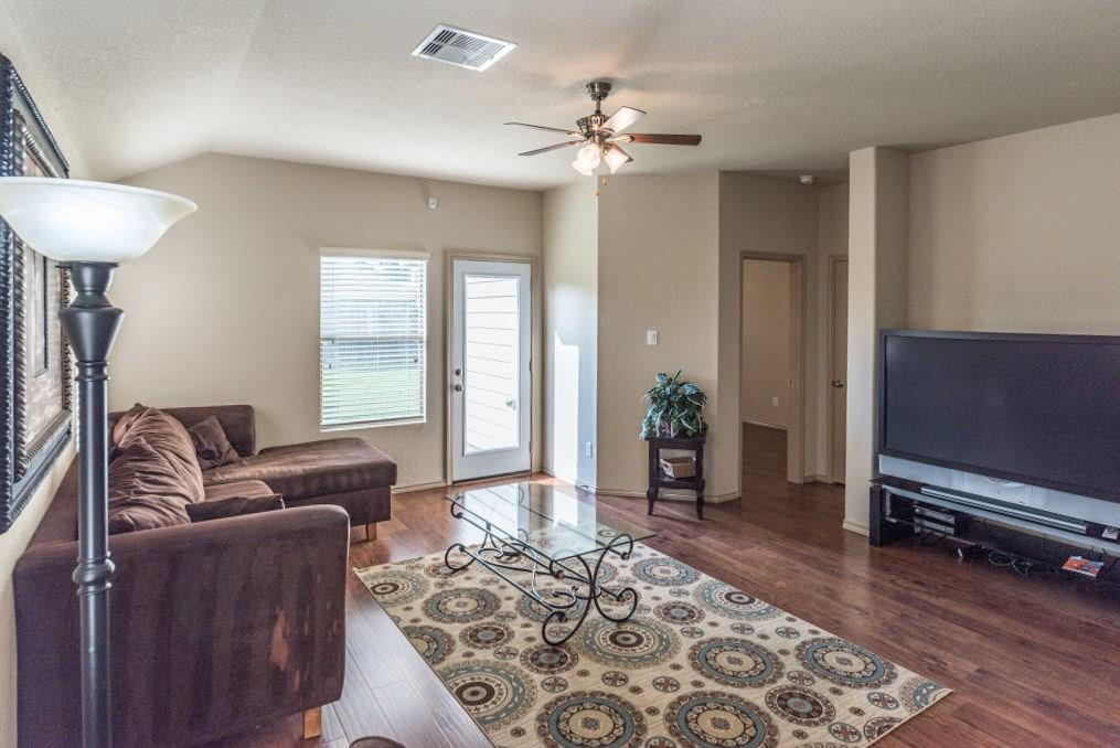 1910 Emerson Ridge, Spring, Harris, Texas, United States 77388, 3 Bedrooms Bedrooms, ,2 BathroomsBathrooms,Rental,Exclusive right to sell/lease,Emerson Ridge,73160487