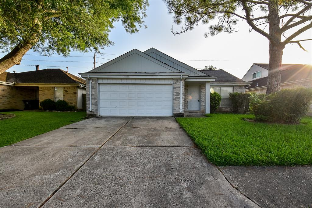 2131 Highland, Sugar Land, Fort Bend, Texas, United States 77478, 4 Bedrooms Bedrooms, ,2 BathroomsBathrooms,Rental,Exclusive right to sell/lease,Highland,28539376
