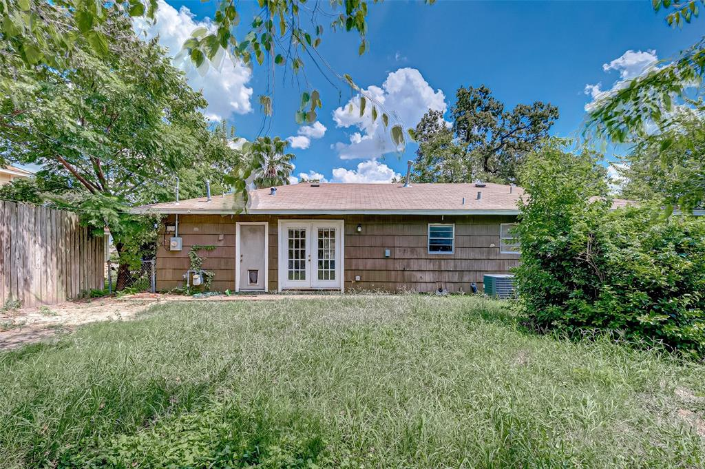2415 Roy, Houston, Harris, Texas, United States 77007, 3 Bedrooms Bedrooms, ,1 BathroomBathrooms,Rental,Exclusive right to sell/lease,Roy,34438981