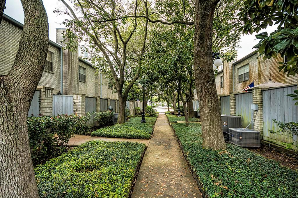 420 Wilcrest, Houston, Harris, Texas, United States 77042, 2 Bedrooms Bedrooms, ,2 BathroomsBathrooms,Rental,Exclusive right to sell/lease,Wilcrest,87745754