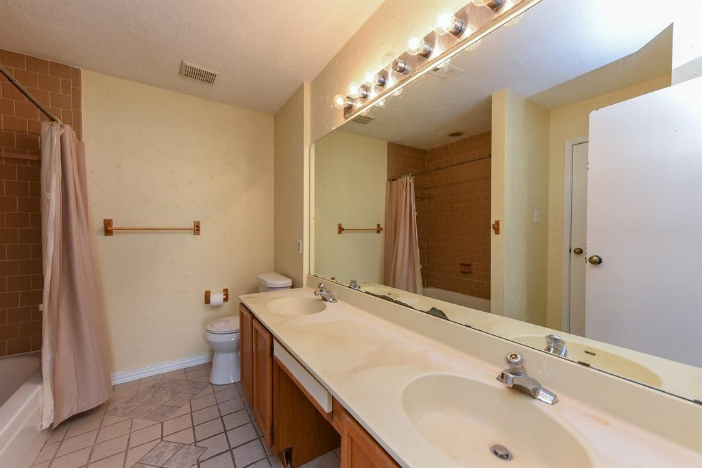 16618 Saturn, Houston, Harris, Texas, United States 77062, 3 Bedrooms Bedrooms, ,2 BathroomsBathrooms,Rental,Exclusive right to sell/lease,Saturn,95461689