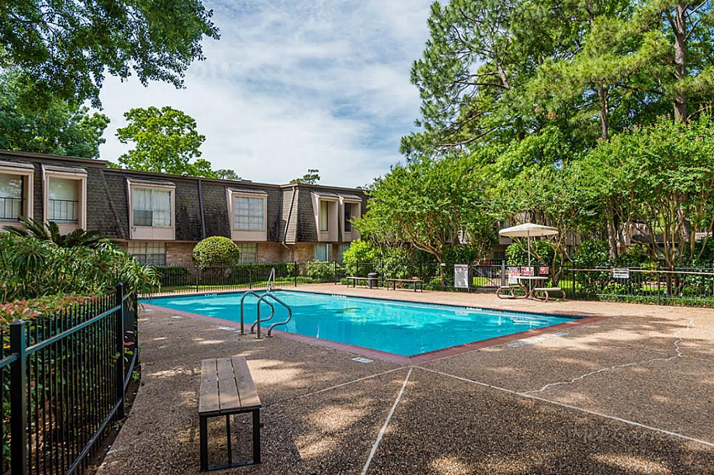 12633 Memorial, Houston, Harris, Texas, United States 77024, 2 Bedrooms Bedrooms, ,2 BathroomsBathrooms,Rental,Exclusive right to sell/lease,Memorial,64177462