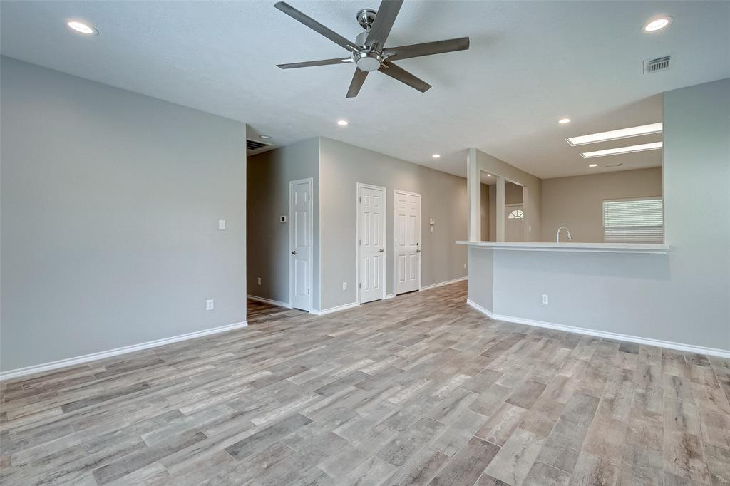 8306 Coriander, Baytown, Harris, Texas, United States 77521, 3 Bedrooms Bedrooms, ,2 BathroomsBathrooms,Rental,Exclusive right to sell/lease,Coriander,95529665