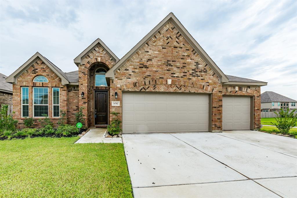 14702 Woodland Dawn, Humble, Harris, Texas, United States 77396, 3 Bedrooms Bedrooms, ,2 BathroomsBathrooms,Rental,Exclusive right to sell/lease,Woodland Dawn,76446451