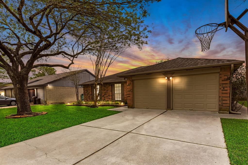 17102 Coachmaker, Friendswood, Harris, Texas, United States 77546, 3 Bedrooms Bedrooms, ,2 BathroomsBathrooms,Rental,Exclusive right to sell/lease,Coachmaker,18473697