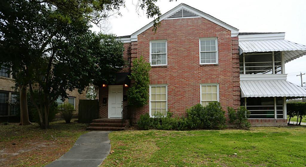 5525 Chaucer, Houston, Harris, Texas, United States 77005, 2 Bedrooms Bedrooms, ,1 BathroomBathrooms,Rental,Exclusive right to sell/lease,Chaucer,90002612
