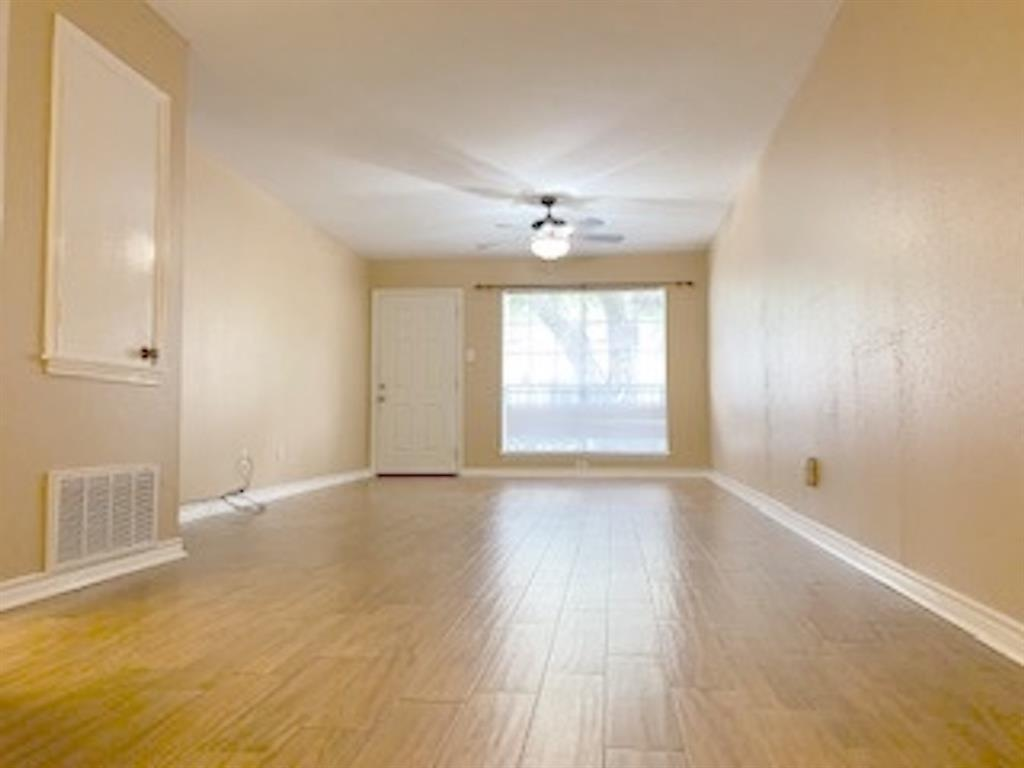 14333 Memorial, Houston, Harris, Texas, United States 77079, 2 Bedrooms Bedrooms, ,1 BathroomBathrooms,Rental,Exclusive right to sell/lease,Memorial,60930080