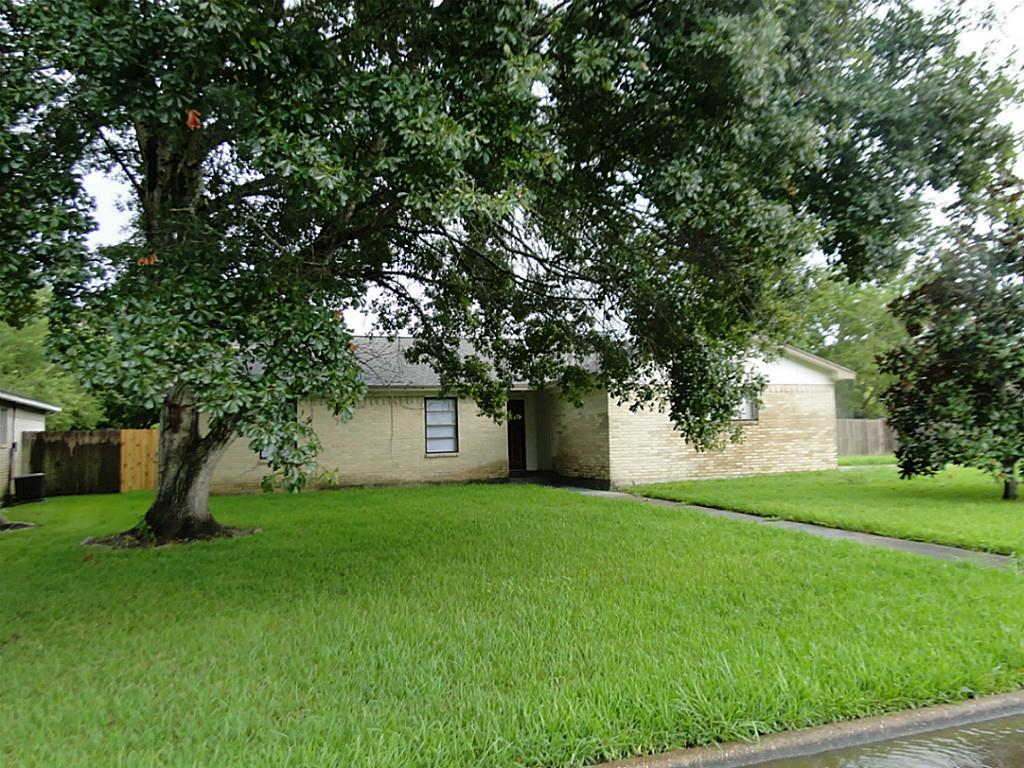 5317 Lazymist, Dickinson, Galveston, Texas, United States 77539, 3 Bedrooms Bedrooms, ,2 BathroomsBathrooms,Rental,Exclusive right to sell/lease,Lazymist,22452085