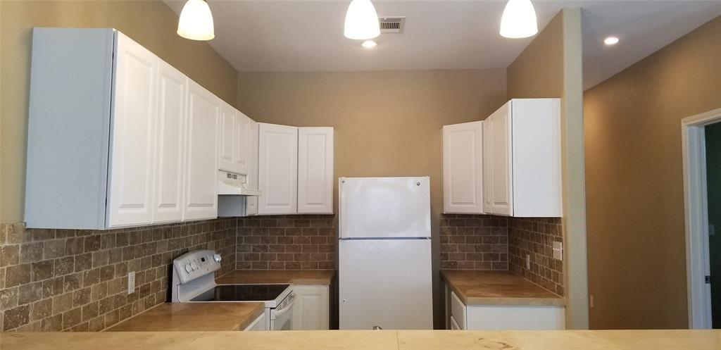 535 12TH STREET, San Leon, Galveston, Texas, United States 77539, 3 Bedrooms Bedrooms, ,2 BathroomsBathrooms,Rental,Exclusive right to sell/lease,12TH STREET,77931717