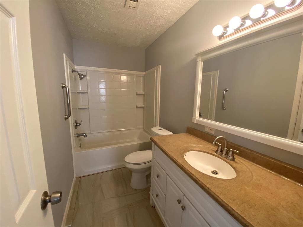 3914 Mckinney, La Marque, Galveston, Texas, United States 77568, 4 Bedrooms Bedrooms, ,2 BathroomsBathrooms,Rental,Exclusive right to sell/lease,Mckinney,23963139