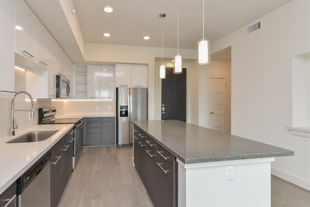 2727 Travis, Houston, Harris, Texas, United States 77006, 1 Bedroom Bedrooms, ,1 BathroomBathrooms,Rental,Exclusive right to sell/lease,Travis,17403042