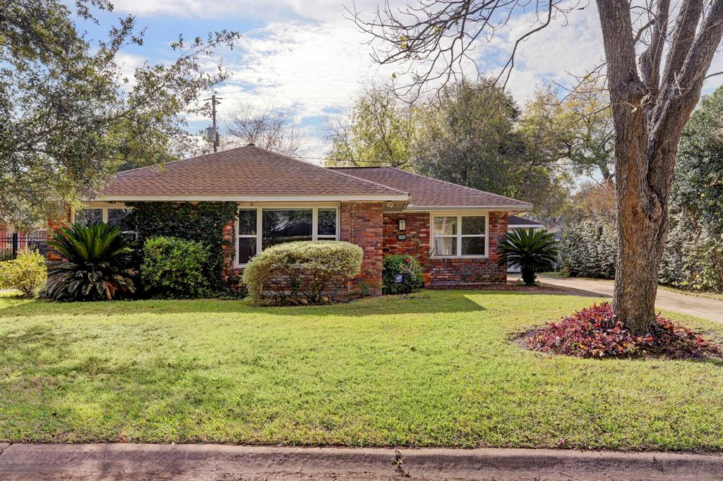 3507 Broadmead, Houston, Harris, Texas, United States 77025, 3 Bedrooms Bedrooms, ,2 BathroomsBathrooms,Rental,Exclusive right to sell/lease,Broadmead,78601777