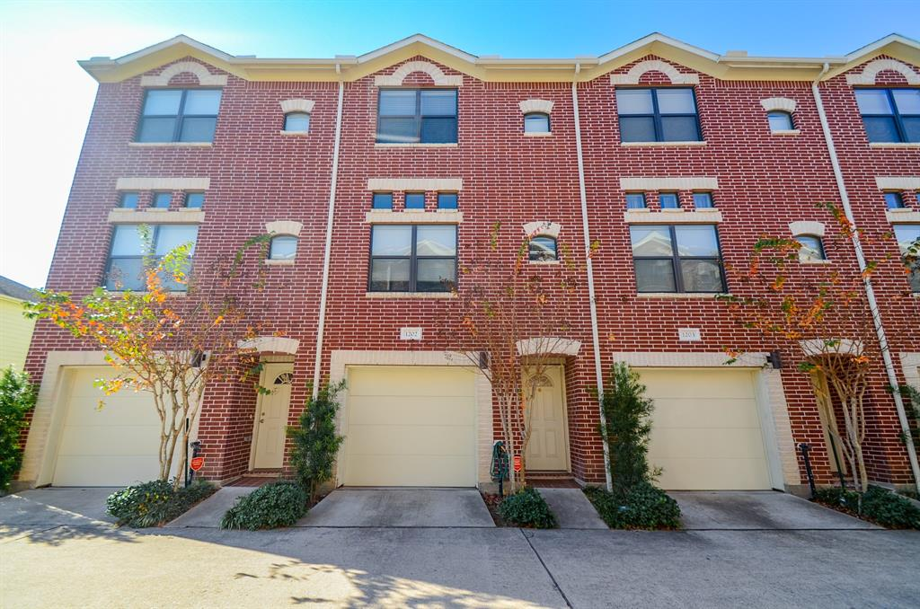 11315 Main, Houston, Harris, Texas, United States 77025, 2 Bedrooms Bedrooms, ,2 BathroomsBathrooms,Rental,Exclusive right to sell/lease,Main,37992576