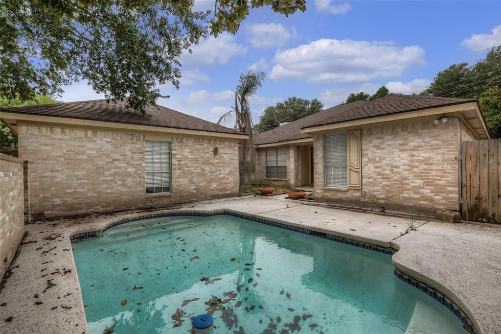 1515 Locke, Sugar Land, Fort Bend, Texas, United States 77478, 4 Bedrooms Bedrooms, ,2 BathroomsBathrooms,Rental,Exclusive right to sell/lease,Locke,31891675