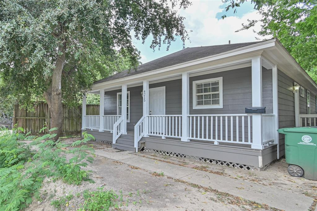 4215 Gillespie, Houston, Harris, Texas, United States 77020, 3 Bedrooms Bedrooms, ,1 BathroomBathrooms,Rental,Exclusive right to sell/lease,Gillespie,21286072