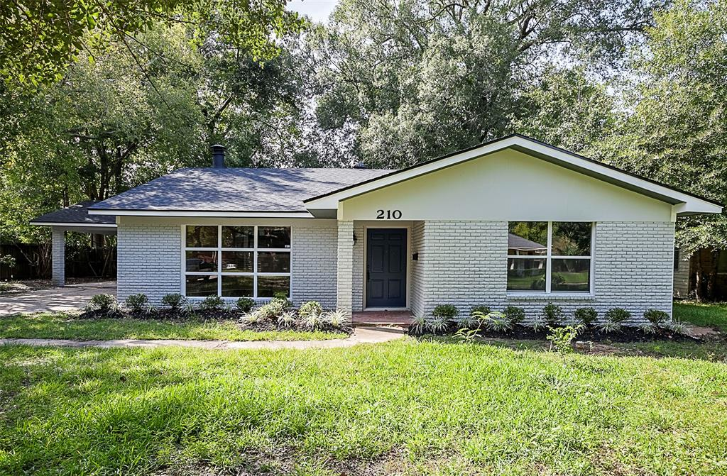 210 Caldwood, Beaumont, Jefferson, Texas, United States 77707, 2 Bedrooms Bedrooms, ,2 BathroomsBathrooms,Rental,Exclusive right to sell/lease,Caldwood,22305861