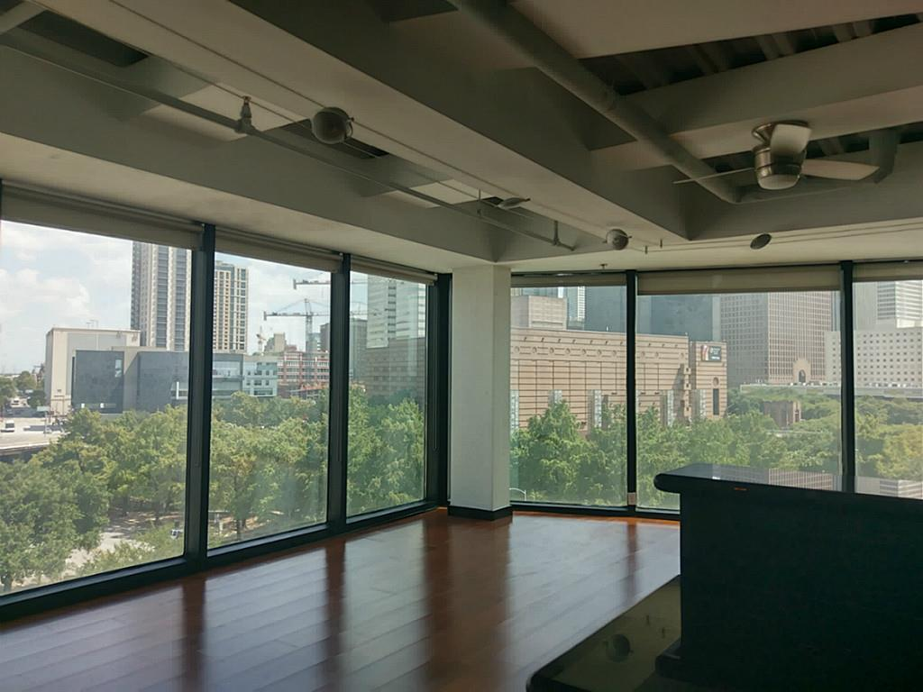 110 Bagby, Houston, Harris, Texas, United States 77002, 1 Bedroom Bedrooms, ,1 BathroomBathrooms,Rental,Exclusive agency to sell/lease,Bagby,19330498