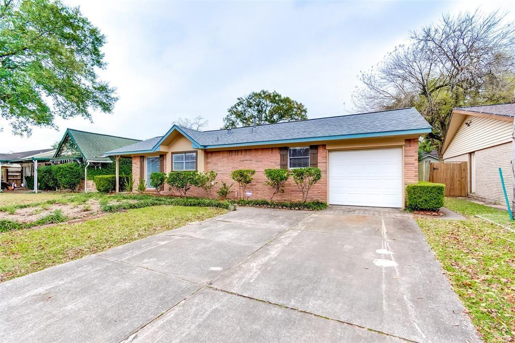 2811 Huckleberry, Pasadena, Harris, Texas, United States 77502, 3 Bedrooms Bedrooms, ,2 BathroomsBathrooms,Rental,Exclusive right to sell/lease,Huckleberry,27817902