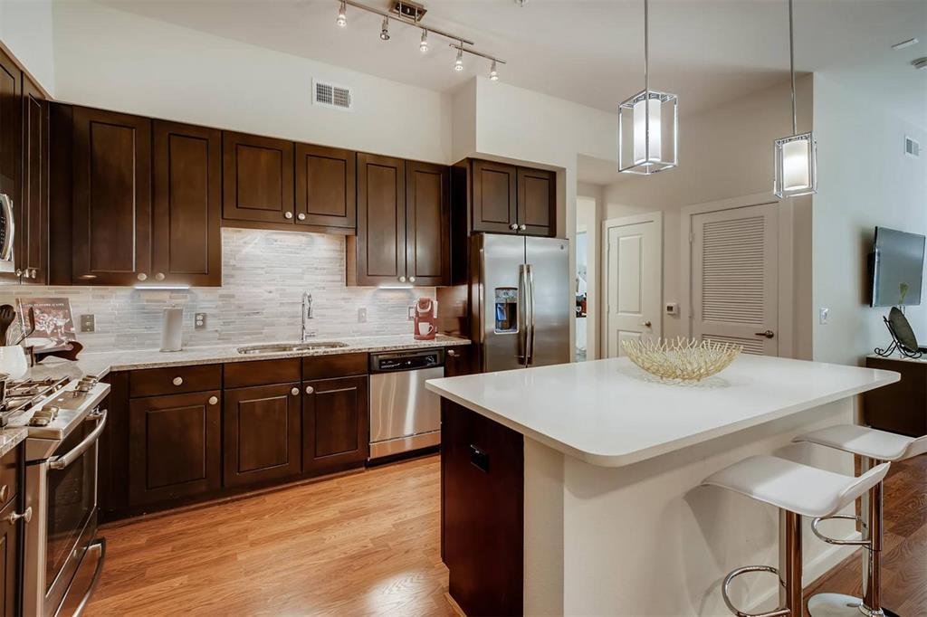 1235 East Nasa, Houston, Harris, Texas, United States 77058, 1 Bedroom Bedrooms, ,1 BathroomBathrooms,Rental,Exclusive right to sell/lease,East Nasa,98391439
