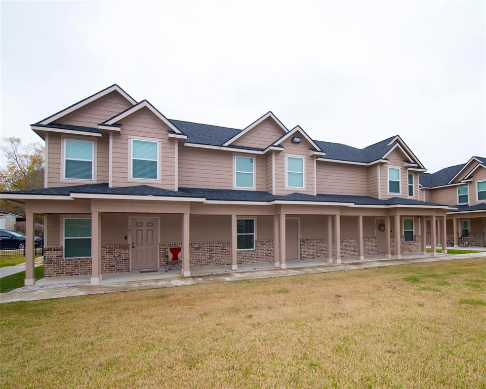 2002 20th, Huntsville, Walker, Texas, United States 77340, 2 Bedrooms Bedrooms, ,2 BathroomsBathrooms,Rental,Exclusive right to sell/lease,20th,10550961