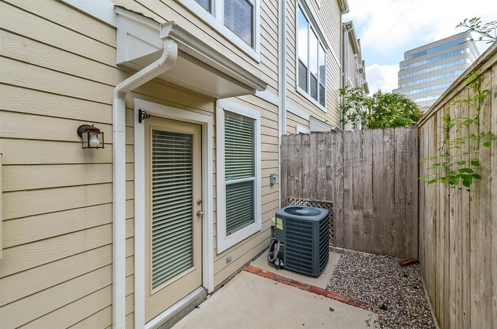 2622 Bevis, Houston, Harris, Texas, United States 77008, 2 Bedrooms Bedrooms, ,2 BathroomsBathrooms,Rental,Exclusive right to sell/lease,Bevis,64958601
