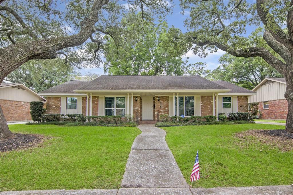 Incredible opportunity to own a home in Meyerland. This home has recently been remodeled while maintaining the character and charm. The open concept design makes it easy to entertain. The kitchen will inspire your inner chef to create magic. The backyard is boasting of space and unlimited opportunities such as a garden, pool, playground and more, in fact it's big enough to do just about anything. Don't miss out. Make this your first and last home to see.