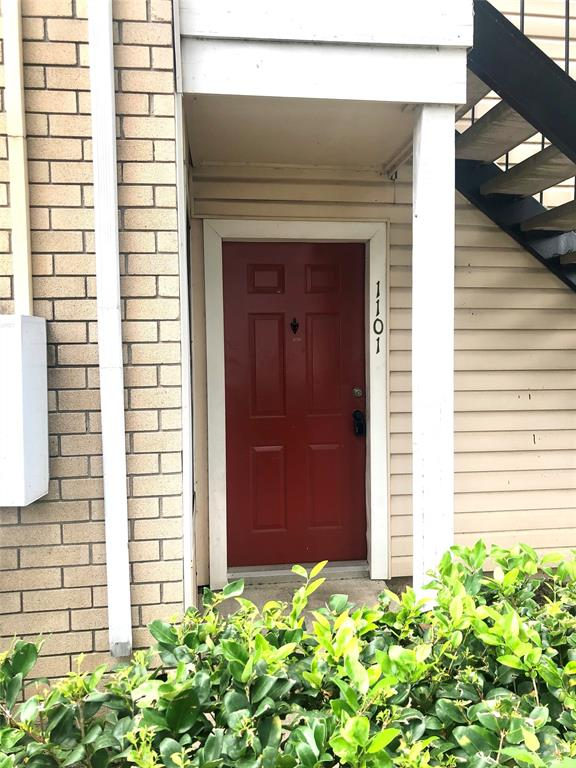 2750 Holly Hall, Houston, Harris, Texas, United States 77054, 2 Bedrooms Bedrooms, ,2 BathroomsBathrooms,Rental,Exclusive right to sell/lease,Holly Hall,57541361