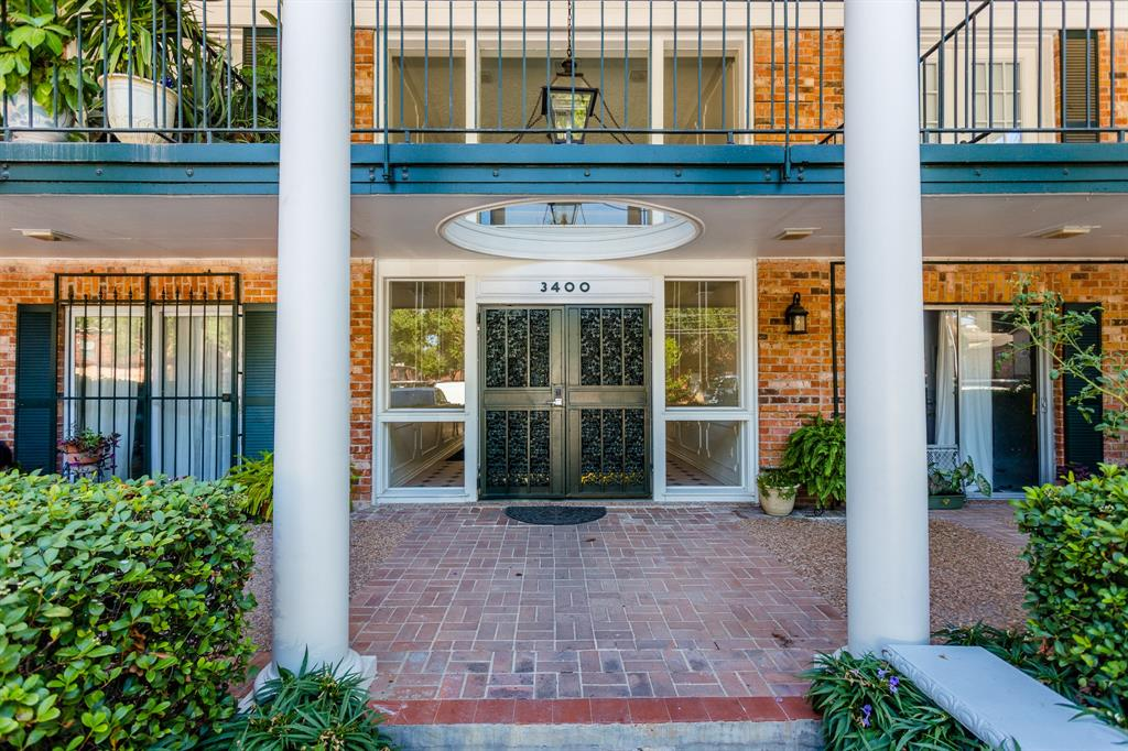 3400 Timmons, Houston, Harris, Texas, United States 77027, 2 Bedrooms Bedrooms, ,1 BathroomBathrooms,Rental,Exclusive right to sell/lease,Timmons,22360101