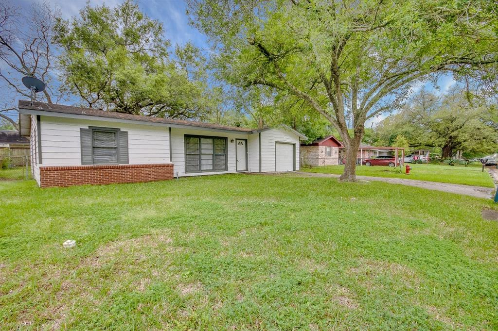 221 Saunders, League City, Galveston, Texas, United States 77573, 3 Bedrooms Bedrooms, ,1 BathroomBathrooms,Rental,Exclusive right to sell/lease,Saunders,81547176