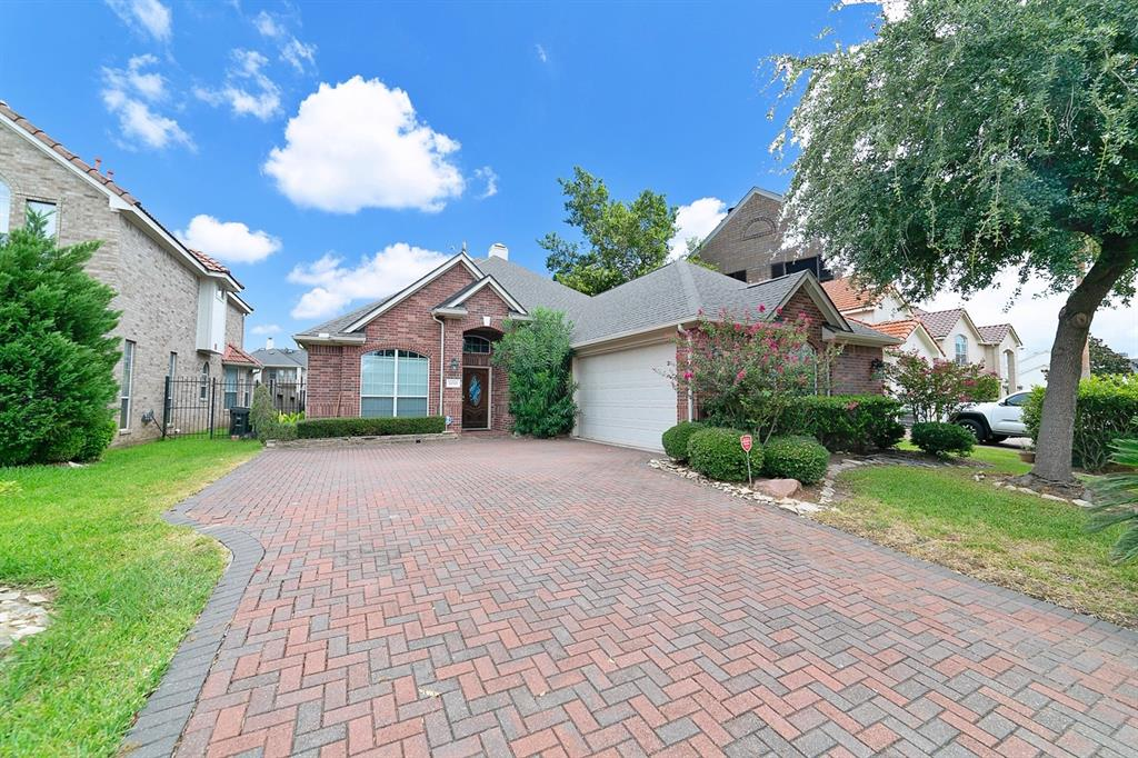 14310 Dunrobin, Sugar Land, Fort Bend, Texas, United States 77498, 3 Bedrooms Bedrooms, ,2 BathroomsBathrooms,Rental,Exclusive right to sell/lease,Dunrobin,81963351