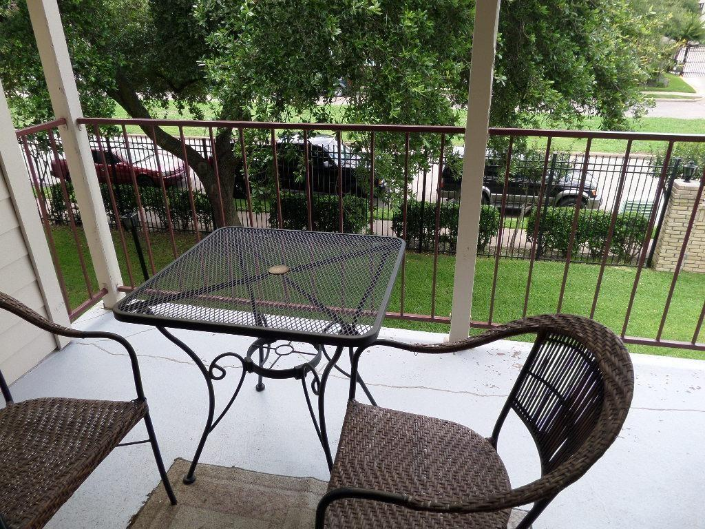 2120 El Paseo, Houston, Harris, Texas, United States 77054, 2 Bedrooms Bedrooms, ,2 BathroomsBathrooms,Rental,Exclusive right to sell/lease,El Paseo,15720046
