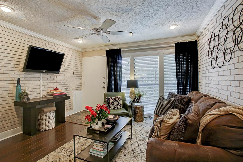 1501 Hyde Park, Houston, Harris, Texas, United States 77006, 1 Bedroom Bedrooms, ,1 BathroomBathrooms,Rental,Exclusive right to sell/lease,Hyde Park,62221062