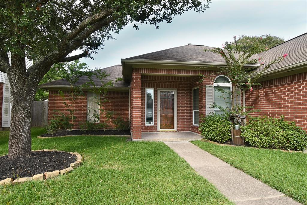 16027 Capistrano Falls, Friendswood, Harris, Texas, United States 77546, 3 Bedrooms Bedrooms, ,2 BathroomsBathrooms,Rental,Exclusive right to sell/lease,Capistrano Falls,53348914