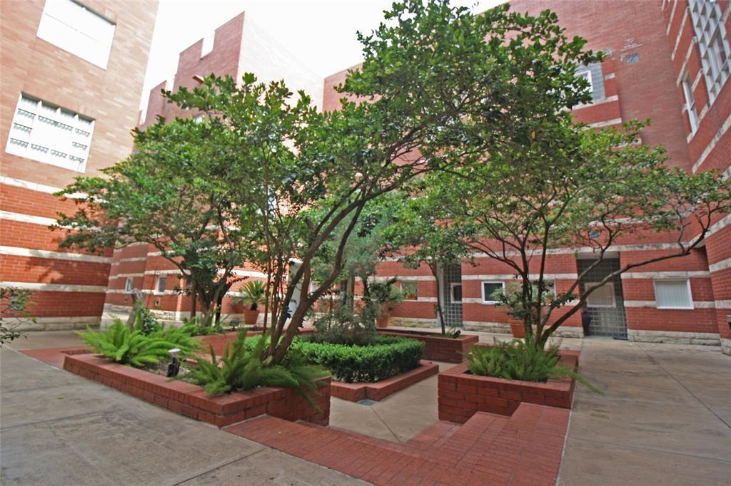 4004 Montrose, Houston, Harris, Texas, United States 77006, 2 Bedrooms Bedrooms, ,2 BathroomsBathrooms,Rental,Exclusive right to sell/lease,Montrose,24603629