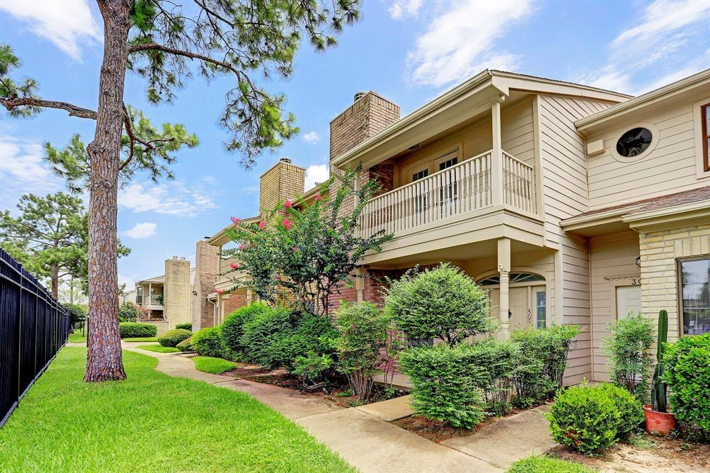 800 Country Place, Houston, Harris, Texas, United States 77079, 3 Bedrooms Bedrooms, ,2 BathroomsBathrooms,Rental,Exclusive right to sell/lease,Country Place,62538532