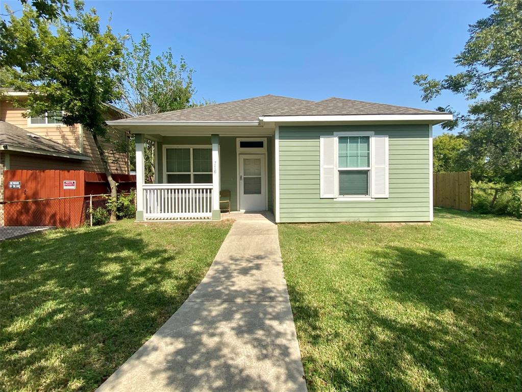 716 1st, Texas City, Galveston, Texas, United States 77590, 2 Bedrooms Bedrooms, ,2 BathroomsBathrooms,Rental,Exclusive right to sell/lease,1st,56975819